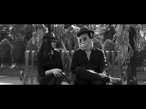 MONKEY BOOTS - About Love