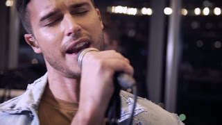 Скачать Eric Saade Wide Awake Saade Live Session