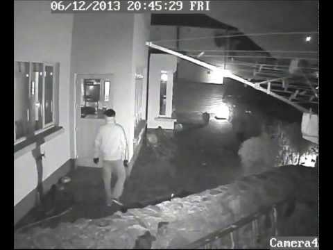 Burglary caught on CCTV 6/12/2013 (Dublin, Ireland)