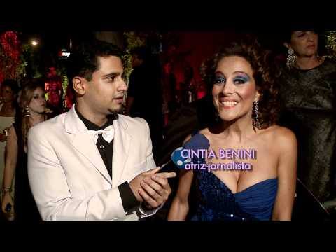 Linguarudo na Festa de Carnaval da Vogue 2011 TV Fama