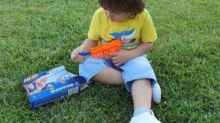 Fatih Selimin Nerf oyuncağı,bahçede oyuncağın parçalarını kaybettik sonra,onları arayıp bulduk