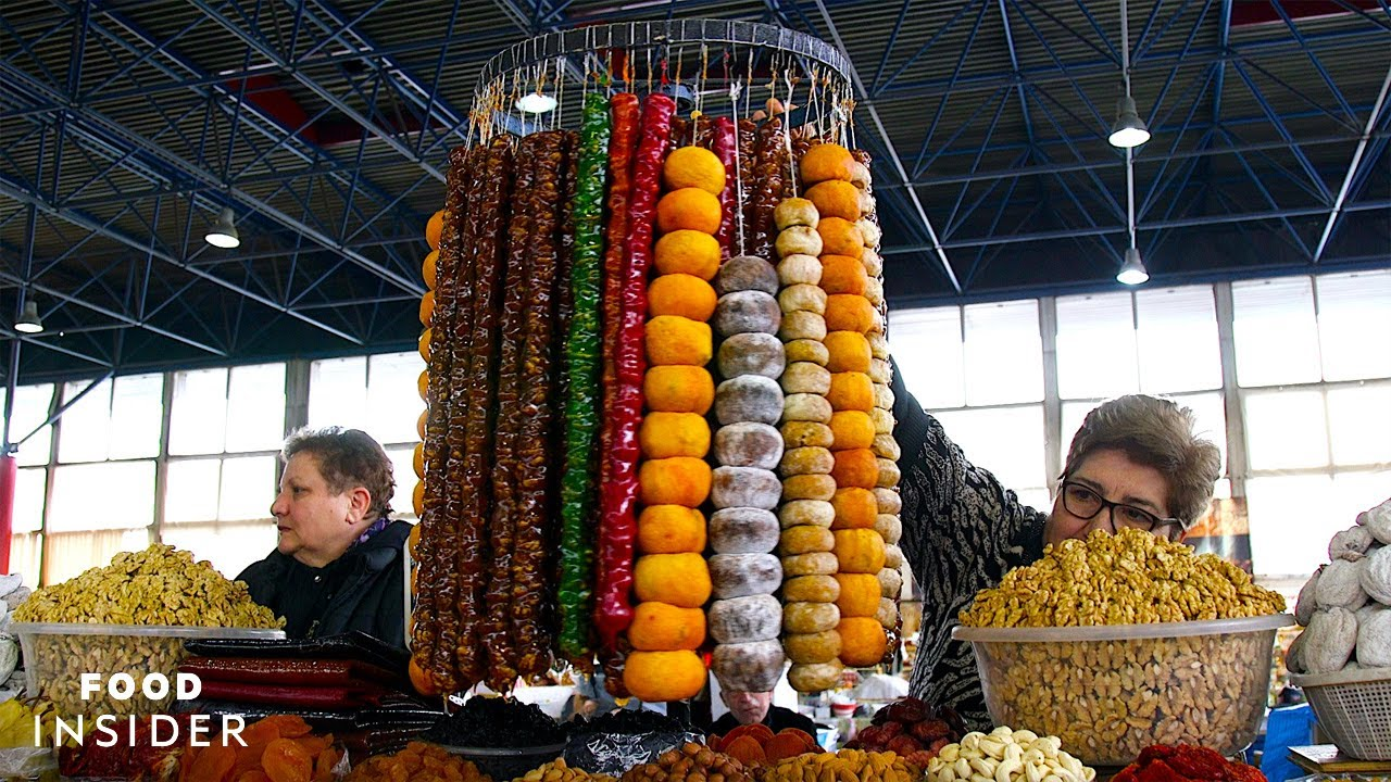 Armenia's Gumi Shuka Sells Delicious Dried Fruit, Spices, And Lavash