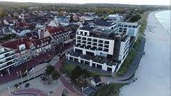Drohnenflug Scharbeutz, Hotel Bayside mit Seebrücke