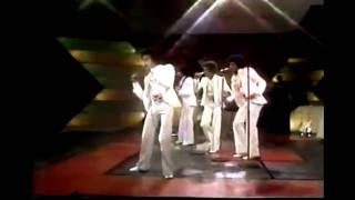 The Jackson 5 - Never Can Say Goodbye (Live Moving Violation Tour 1975)