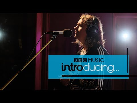 Lewis Capaldi - Bruises (BBC Music Introducing session)