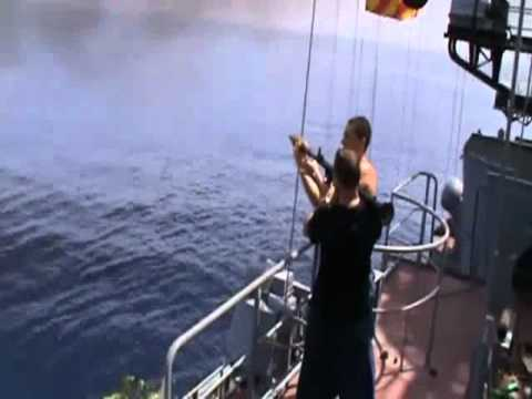 Xem tàu chiến Nga tung hỏa lực tiêu diệt hải tặc Somalia.flv