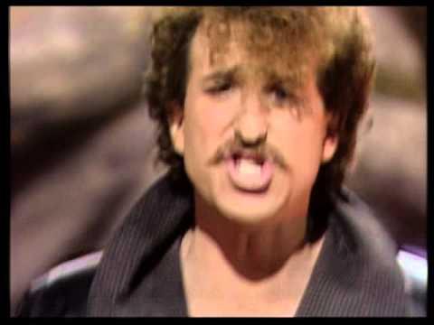 Mattew Wilder Break My Stride ( Live Tv Show Germany )
