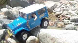 Repeat youtube video CC01 CRAWLING