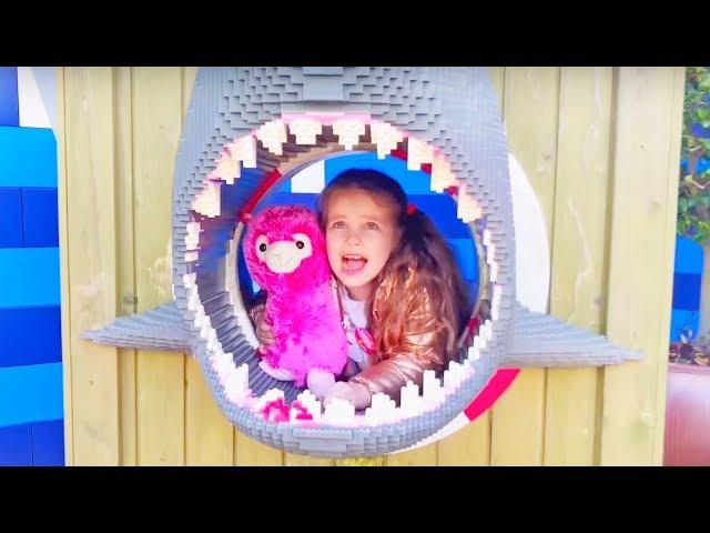 Алёна веселится в парке развлечений для детей Леголенд! Влог