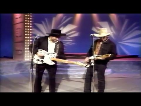 Waylon Jennings And Hank Williams Jr - Are You Sure Hank Done It This Way 1988