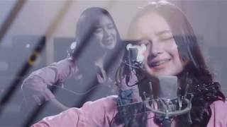 Download Cinta luar biasa - Andmesh Kamaleng (Chintya Gabriella Cover)