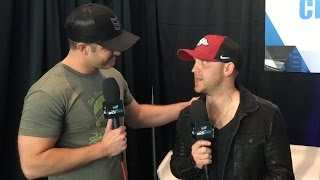 Justin Moore Backstage with Easton Corbin