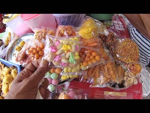Indonesia Bali Street Food 1975 Part.1 The Cheapest Birthday Cake Kue Ulang Tahun dllYDXJ0059