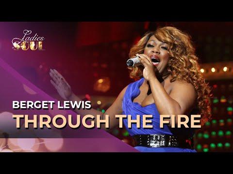 Ladies Of Soul - Up Till Now Live At The Ziggo Dome 2017Kaynak: YouTube · Süre: 4 dakika1 saniye