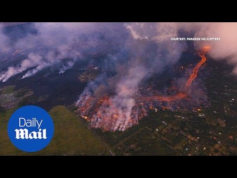 Aerial footages of fast-moving lava burns Hawaii homes - Daily Mail