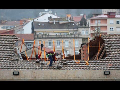 Parte del tejado del colegio Salesianos de Ourense se desploma