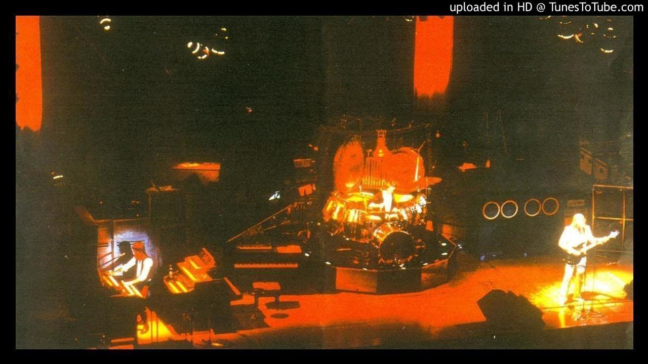 Emerson Lake & Palmer ▻ Jerusalem & Toccata Live 1974 [HQ Audio] Welcome Back My Friends - YouTube