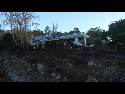 California mudslides kill 15 as rescue crews continue searching