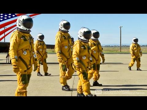 【まるで宇宙飛行士】U-2高高度スパイ偵察機パイロットの飛行準備