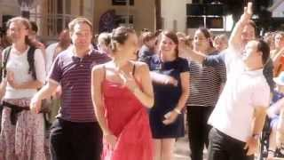 You can be yourself - Flashmob de L