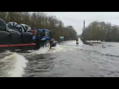 Meanwhile In Ireland:Jet Ski through Storm Jorge In Ireland.