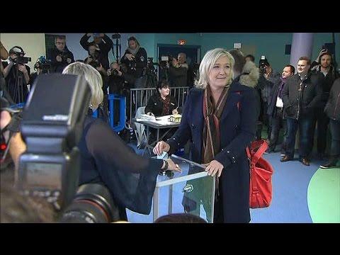 Régionales: Marine Le Pen a voté à Hénin-Beaumont