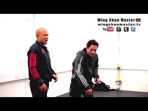 Wing Chun training - wing chun weapon how to deal over head stab Q94