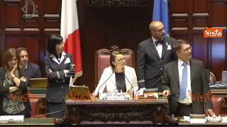 Milleproroghe, Fraccaro pone la prima fiducia del Governo ed è bagarre in Aula
