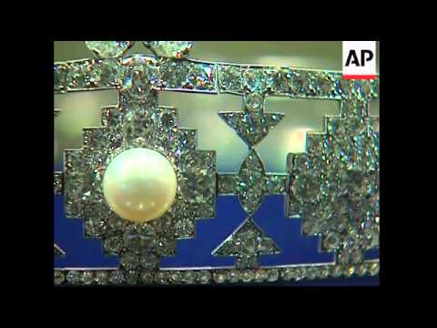 Exhibition of Doris Duke's jewels ahead of auction