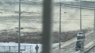 仙台市 六郷中学校に津波がくる様子 thumbnail