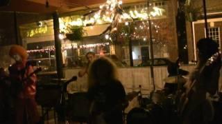 in BALTIMORE/USA 10th Nov.2009 Song:Tears KEN:GUITAR,VOCAL ZIGEN:GU...