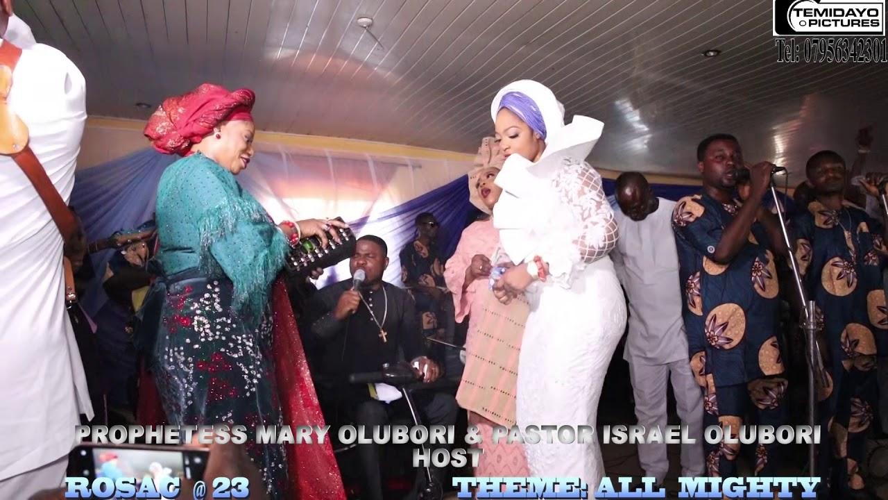 Download PROPHETESS MARY Olabiwonninu Olubori & PRPHETESS NAOMI OGUNWUSI, BOTH DANCE TO YINKA AYEFELE @ ROSAC