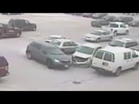 Too stupid to drive: Bad parking lot driving fails; Idiot in China tries to avoid toll - Compilation