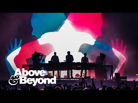 Смотреть клип Above & Beyond And Justine Suissa - Almost Home
