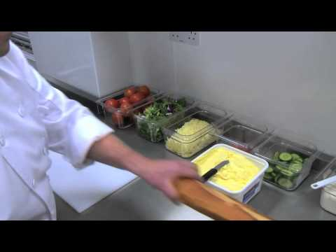 Food safety coaching (Part 2): Keeping equipment separate