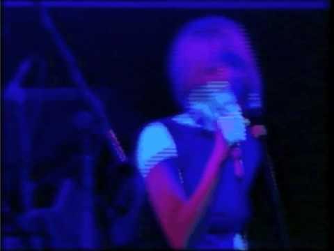 "Nicola Hitchcock ""enough love"" live"