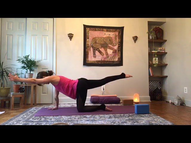 All-Levels Flow with Amy Friederich