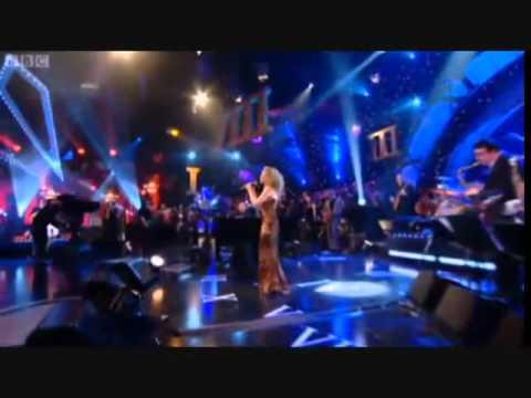 Kylie Minogue   Love At First Sight . Live Jools Holland Hootenanny.