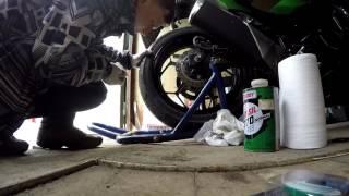 Светоотражающая лента на диск мотоцикла