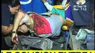 Taxista y pasajera mueren triturados en quíntuple colisión | Accidente de Tráfico YouTube Videos