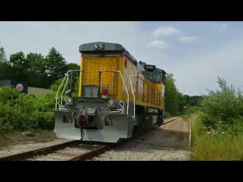 New England Southern 2555 Slurry Train Tilton N.H. 7/29/2017