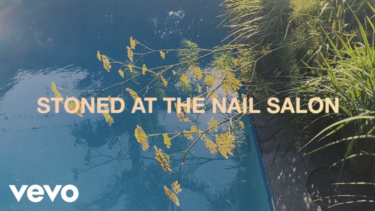 Lorde - Stoned at the Nail Salon (Visualiser) - YouTube