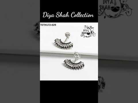 New Ear Tops Designs ✨ Stylish Earrings Designs ✨ Cute Earrings ✨ Gold Ear Tops ✨Diya Shah Ear Tops