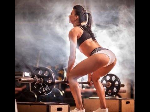 Лучшие эффективные упражнения для плеч с гантелями
