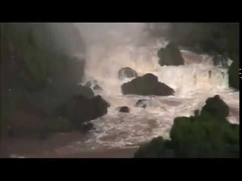 Iguazu Falls (Brazil & Argentina) Cataratas do Iguaçu & Cataratas del Iguazú
