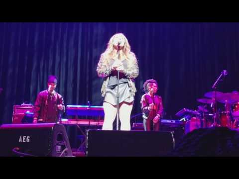 Officially Missing You - Tamia (Concert Performance)