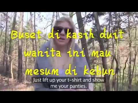 Wanita ini rela gituan di hutan hanya karna uang