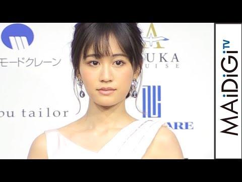 前田敦子「ベストフォーマリスト」受賞 ロングドレス姿で「すごく幸せ」 「第18回ベストフォーマリスト」授賞式1