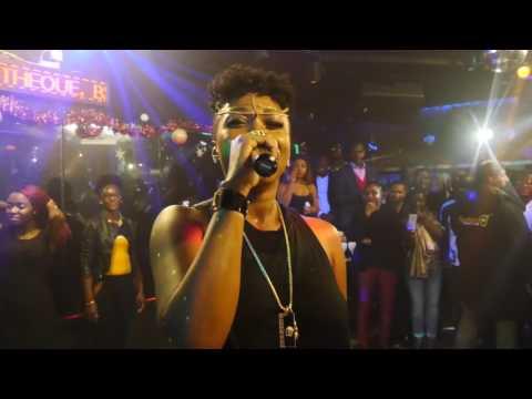 Charly présente CLAIRE BAHI à la salsa discothèque lyon