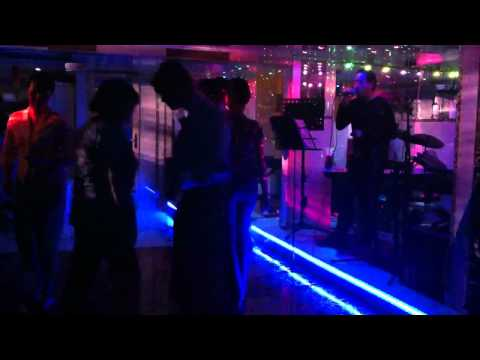 Dancing all night - Club Dem mau hong
